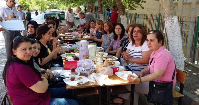 İnkilap İlkokulu'nda Kahvaltı Keyfi